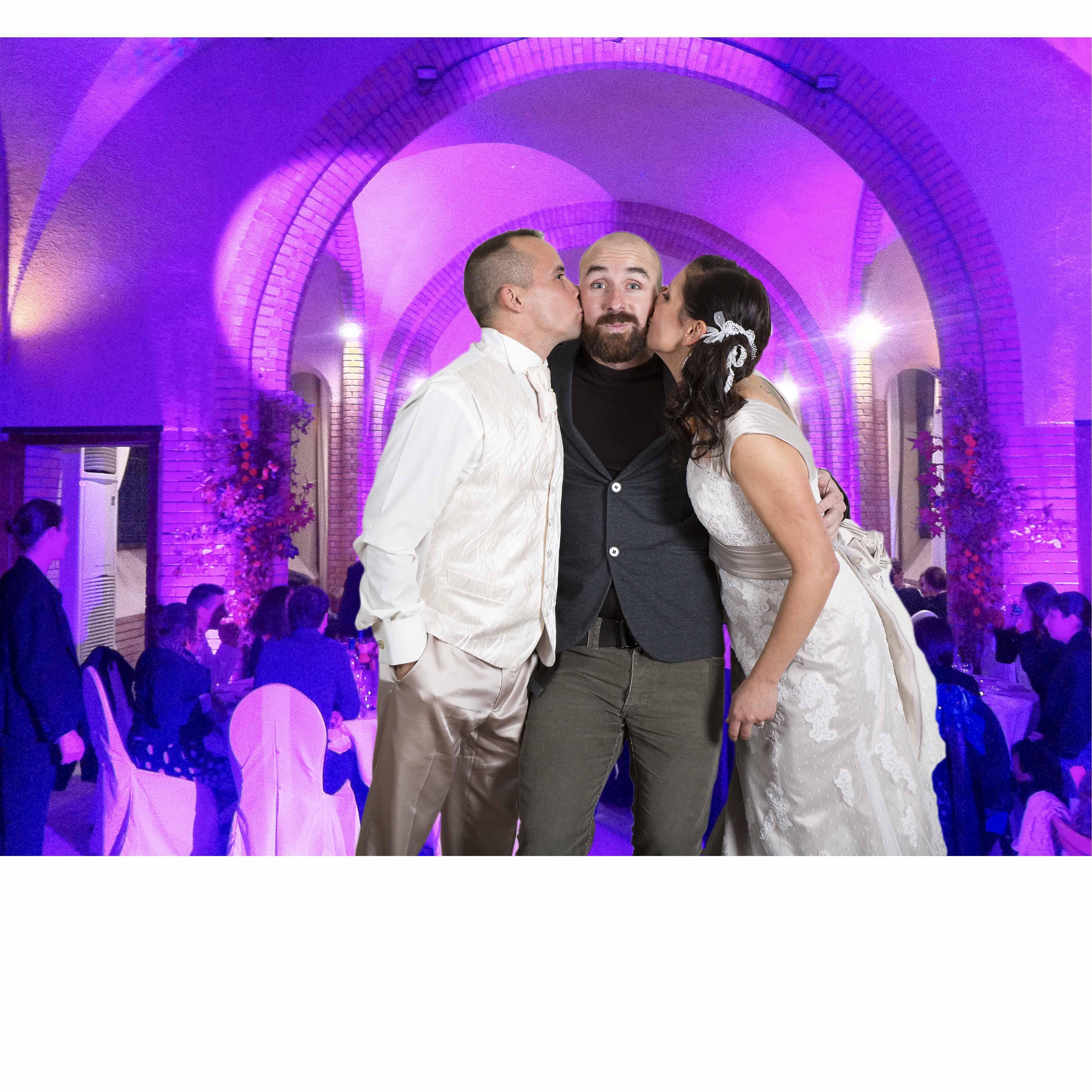 Dj-mariage-toulouse-bisous-mariés-vignette-full
